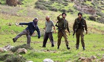 dec-17-2012-madama-attack-photo-by-wafa-281360_532055603471415_138960341_n