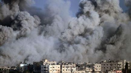 375426_Israeli-airstrike