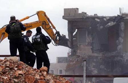 israeli-bulldozers-demolishing-palestinian-home-beit-hanina