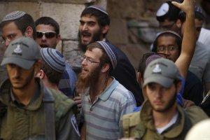 al-aqsa-protests-Sep-2015-9-israeli-settlers-at-al-aqsa