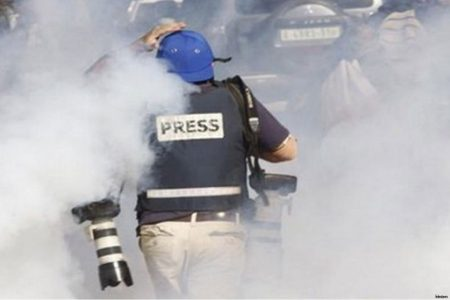 Israeli-forces-arrested-a-Palestinian-journalist