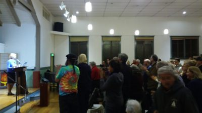 berkeley-bfuu-standing-ovation-for-alison-weir_2-16-17_smaller